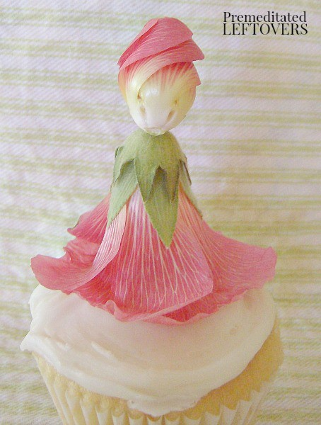 How to use a hollyhock doll as a cupcake topper - decorating cupcakes with edible flowers