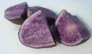 Mashed potatoes using blue or purple potatoes