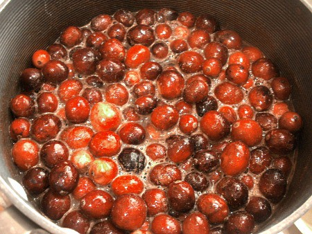 Cooking whole cranberries for cranberry orange sauce