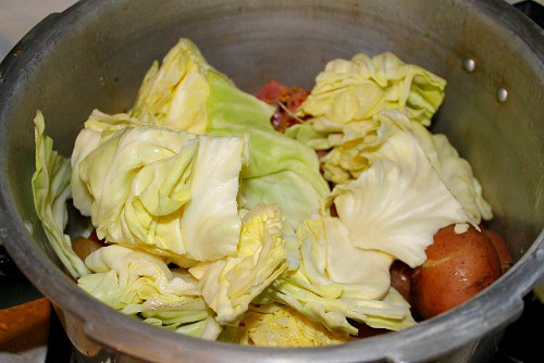 How to cook corned beef in a pressure cooker with cabbage and potatoes.