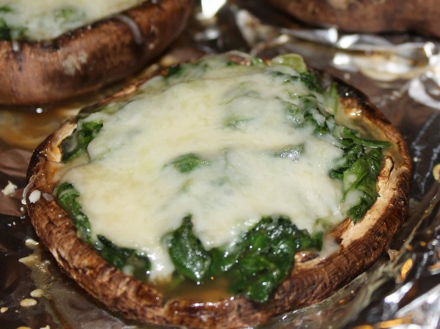 Stuffed Potabello Mushrooms - with spinach and cheese filling