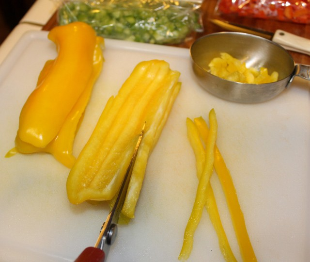 Chop and dice peppers quickly with kitchen scissors
