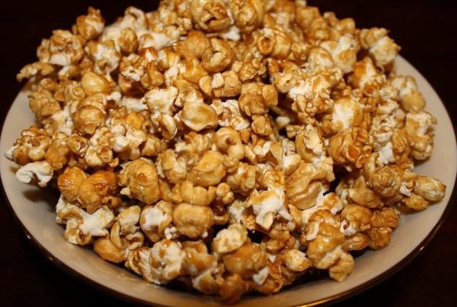 How to Make Caramel Popcorn - Easy Recipe