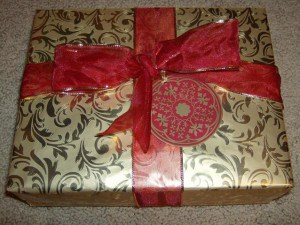 Save wrapping paper, make an eco-friendly reusable gift box