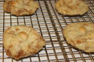 gluten-free toffee macadamia nut white chocolate cookie recipe