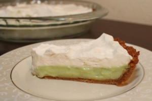 Key Lime Pie with Graham Cracker Crust and Whipped Cream Topping (425x283)