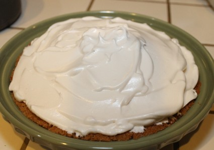 tips for making a perfect meringue - Meringue topping needs to go touch the crust