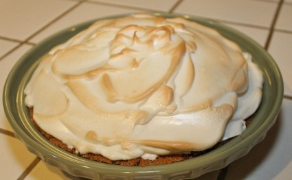 Meringue pie topping recipe and tips