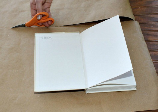 How to make a book cover using household items