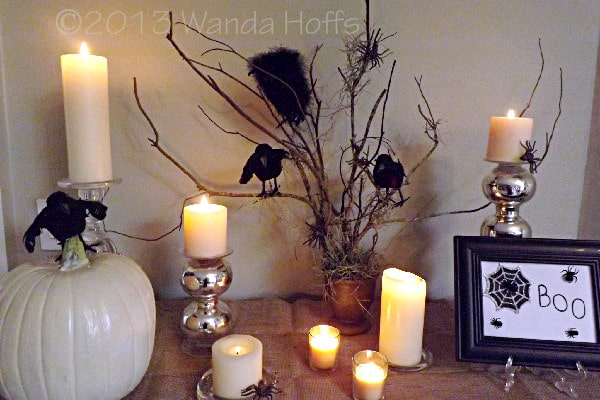 Glamorous Halloween party table decorations
