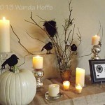 A Spooky-Glamorous Tablescape for your Halloween Party