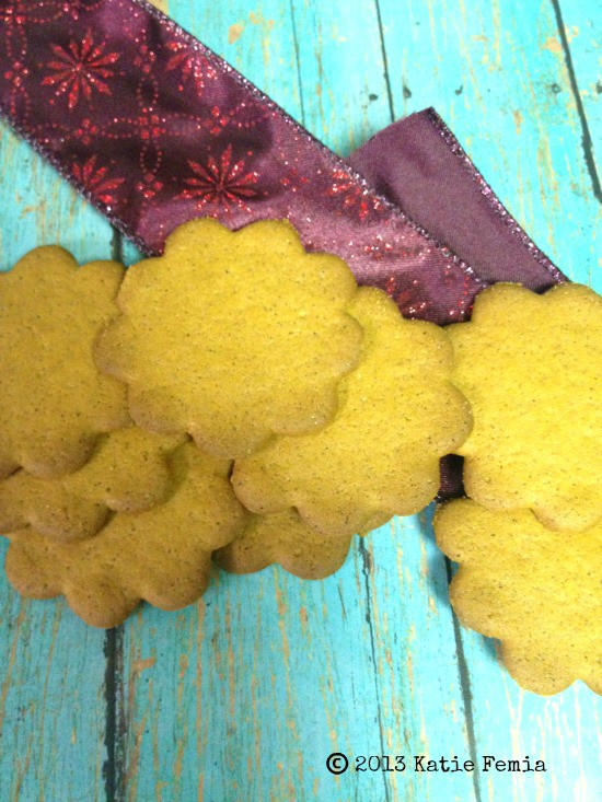 Easy DIY  Wreath Made with Cookies