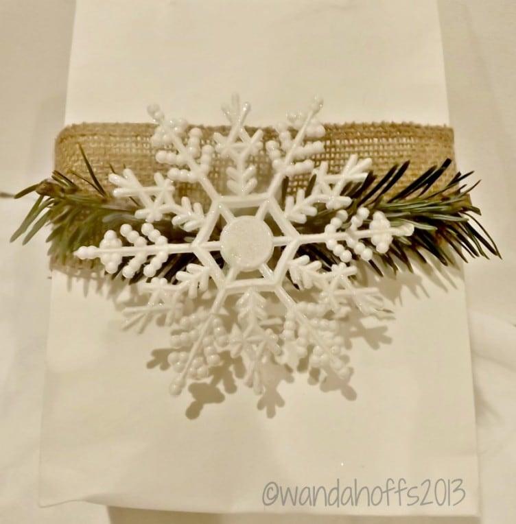 Using burlap to wrap Christmas presents
