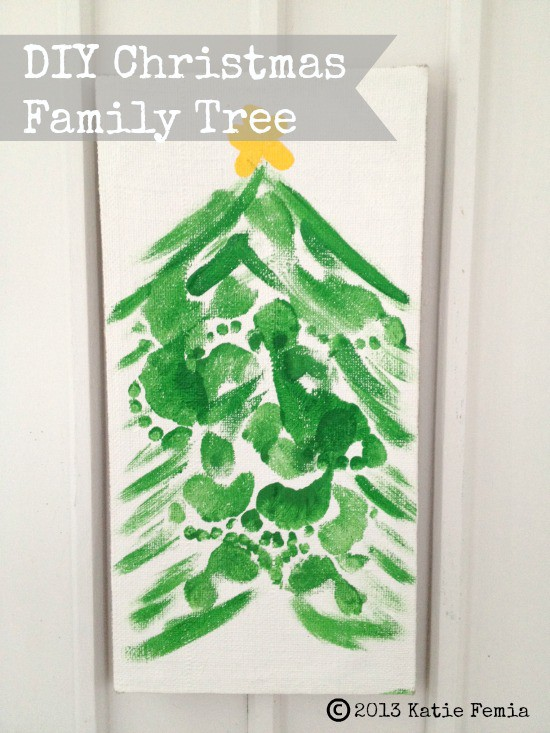 Easy Footprint Christmas Tree >> Festive Family Craft: DIY Christmas Family Footprint Tree