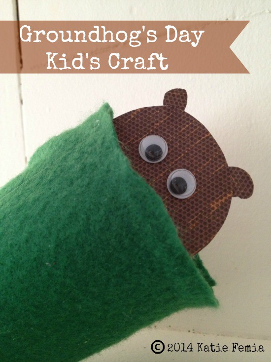 Groundhog Puppet: A Groundhog's Day Craft for Kids- This frugal and easy Groundhog's Day craft is a fun activity to do with your children.