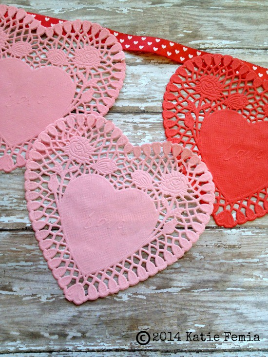 Paper Lace Heart Bunting Valentine\'s Day Banner