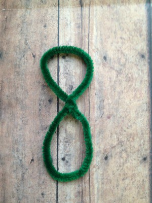 DIY Chenille Shamrocks - step 1