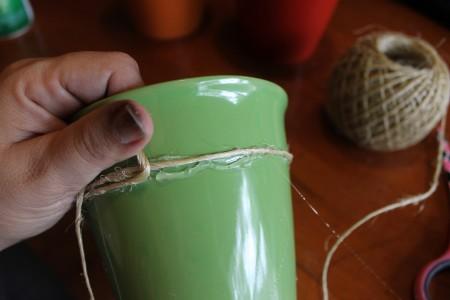 how to wrap twine around herb pots