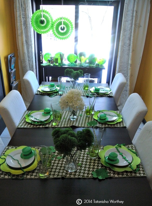 frugal st patrick 39 s day table decor ideas. Black Bedroom Furniture Sets. Home Design Ideas