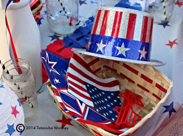 Frugal Patriotic Table Decor Ideas for Kids