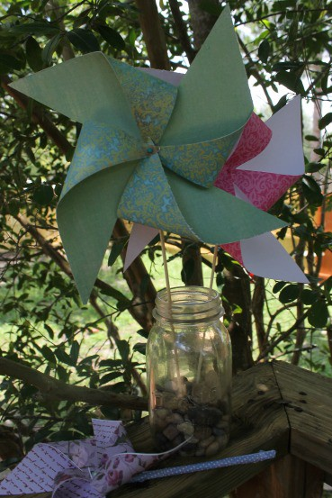 How to Make a Pinwheel - A fun craft for kids!