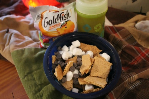Snack ideas for an living room camp out for kids