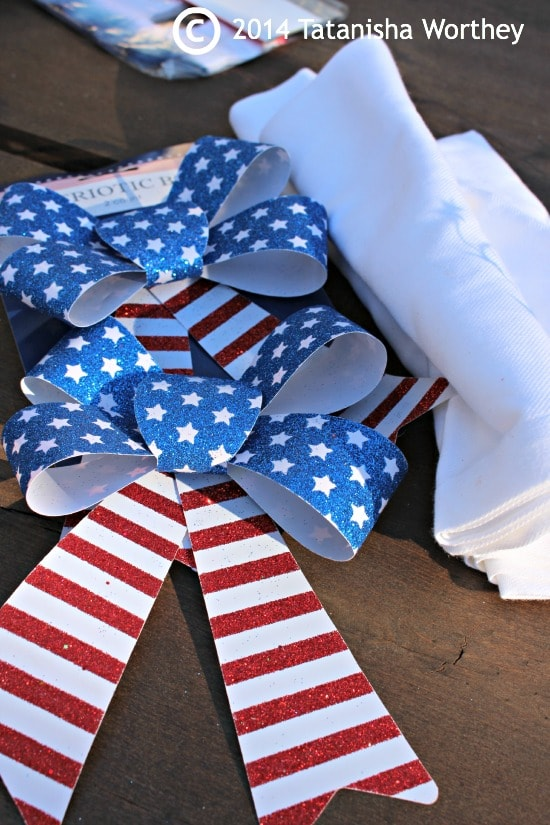 bows for napkin rings - Elegant Patriotic Table Decor Idea