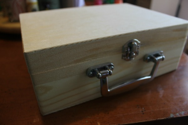 construction travel box - wooden box