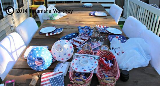 Prepping Elegant Patriotic Table Decor Idea