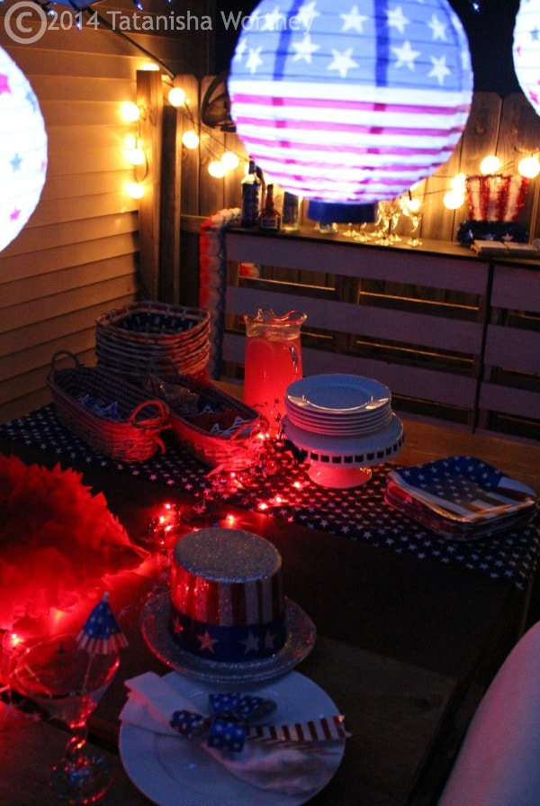 fourth of july table decor outside