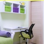 How to organize your dorm room