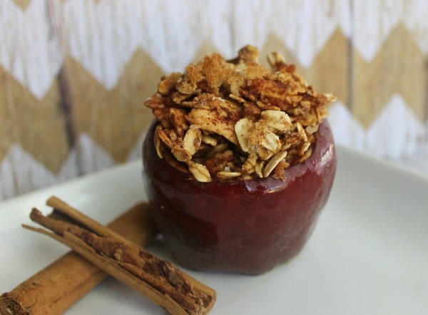 Cinnamon Oatmeal Baked Apple - A scrumptious high-fiber breakfast