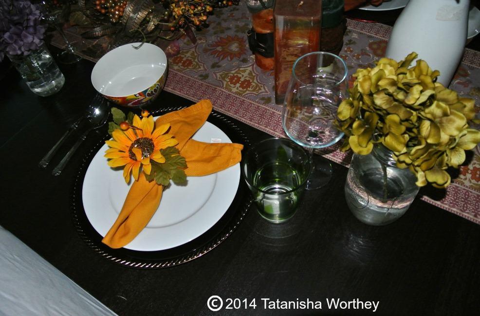 fall decor plate and napkin idea
