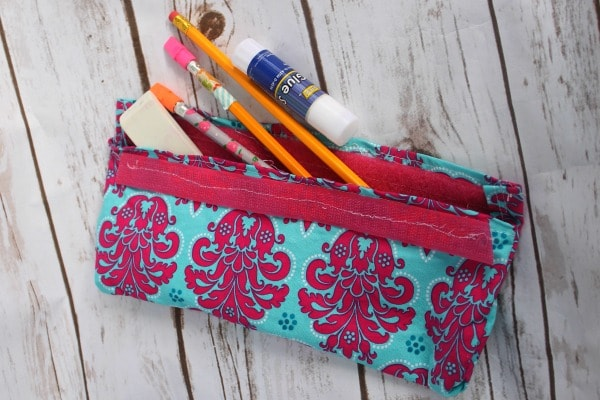 How to sew a pencil pouch - A DIY Pencil Pouch Tutorial