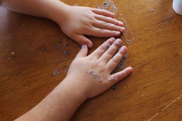 DIY edible finger paint recipe