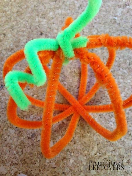 DIY Cheniile Pumpkins - A fun fall projects for kids