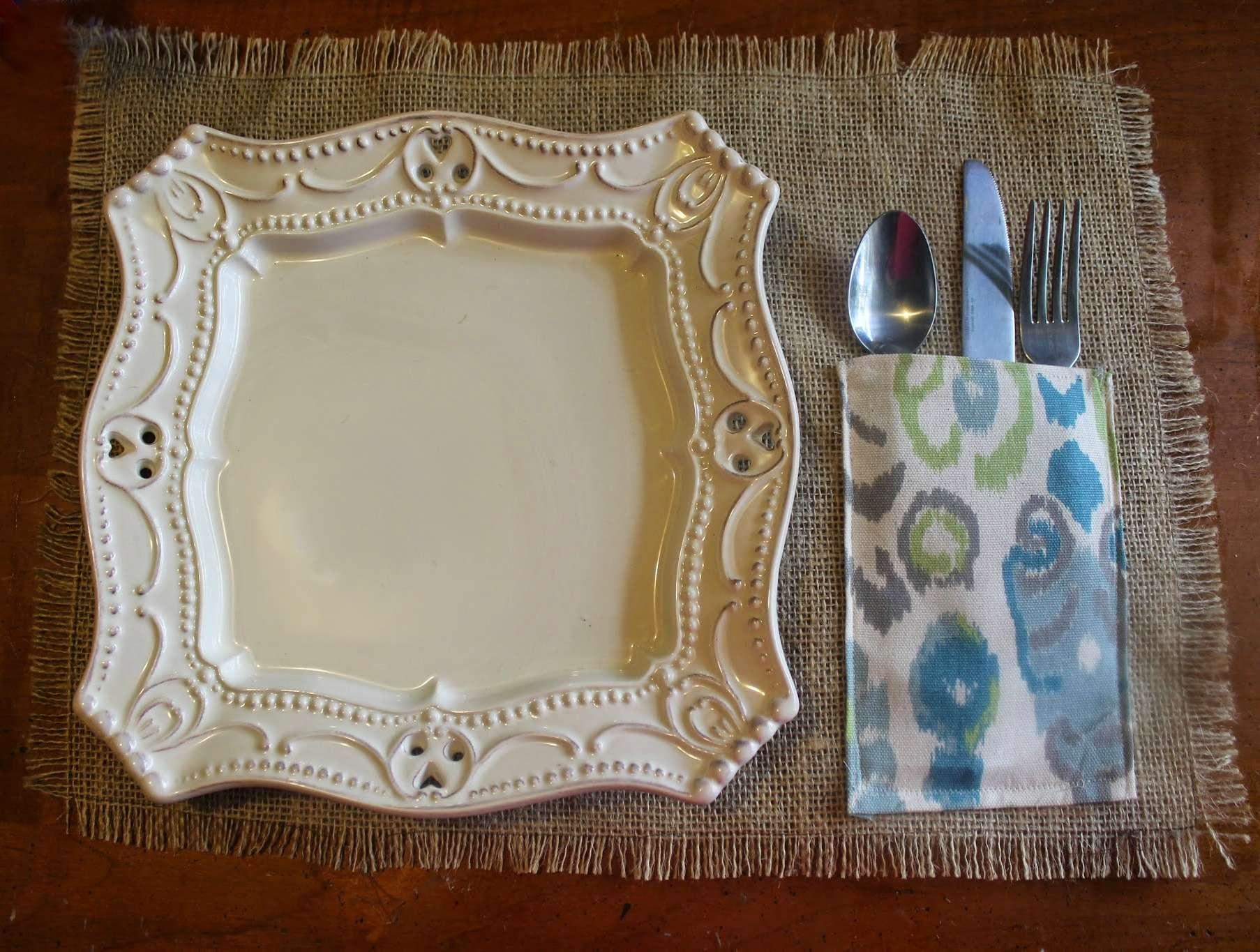 diy burlap placemat with silverware pocket