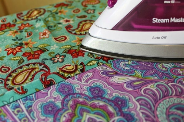 cloth napkin tutorial - ironing seams
