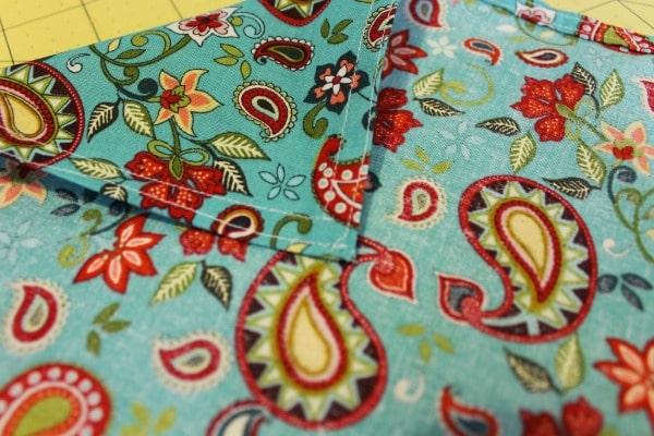 Simple DIY Cloth Napkin Tutorial - finished seams