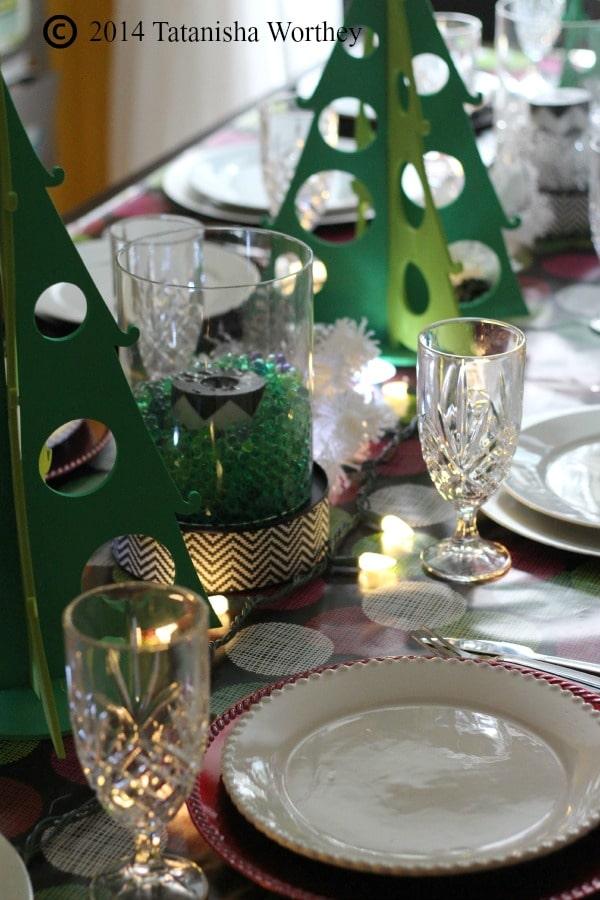 green and white centerpeiece