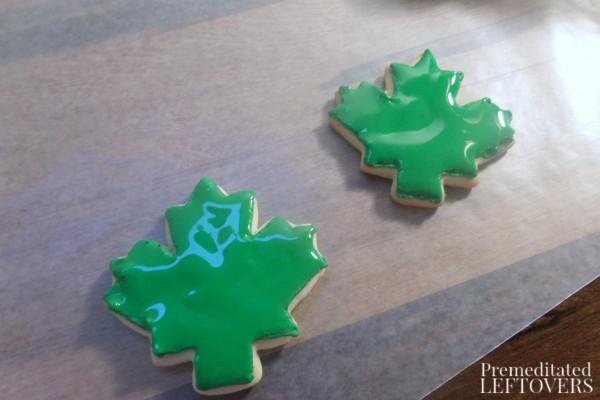 Decorating a Holly Leaf Sugar Cookie