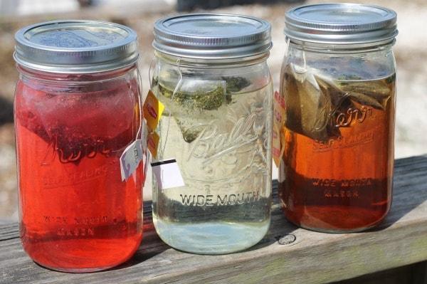 How to make sun tea in mason jars