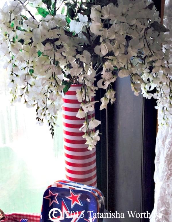 Patriotic Flower Vase Idea