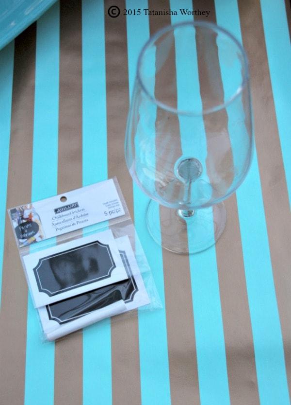 DIY Chalkboard Wine Glasses using Stickers