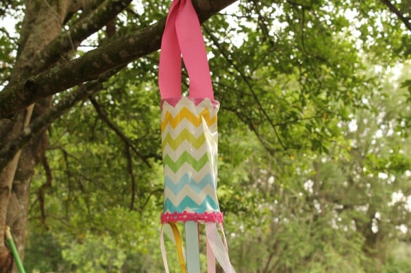 homemade windsock = easy summer craft project for kids