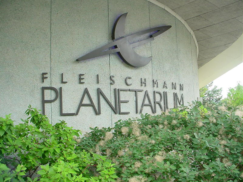 If your looking to beat the heat and entertain the kids, Fleischmann Planetarium has free activities and daily exhibits for your little space explorer.