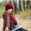 7 Frugal Ways to Glam Up Your Fall Wardrobe- These frugal ideas are perfect for stretching your dollar this year while creating a great new fall wardrobe.