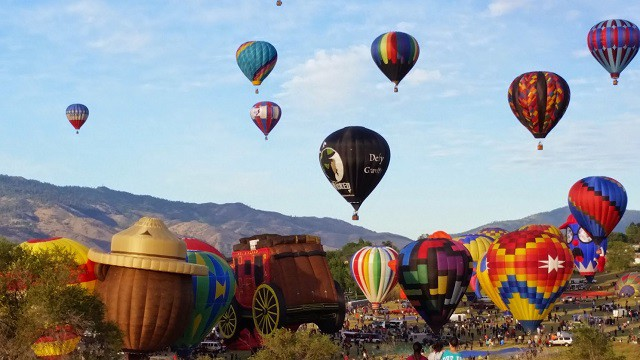 The Great Reno Balloon Races 2015 Schedule: Come see hundreds of Hot Air Balloons ascend. Be sure to bring blankets and cuddle up for an extraordinary view.