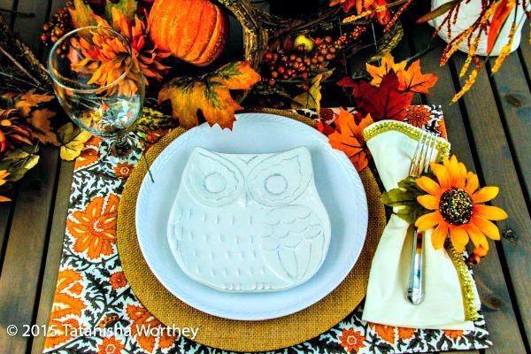 Fall Owl Table Decor Idea
