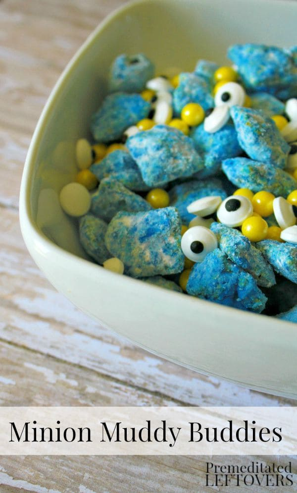 How to Make Minion Muddy Buddies - Looking for Minion food ideas for your Minion party? These quick and easy Minion Muddy Buddies make a fun party recipe!